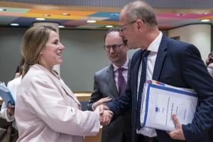 EU- Jugendministerrat - Appell zur stärkeren Einbeziehung von Jugendlichen